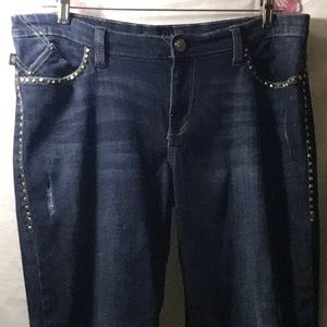 🌸ROCK & REPUBLIC 16 Distressed Pyramid Boot Jeans